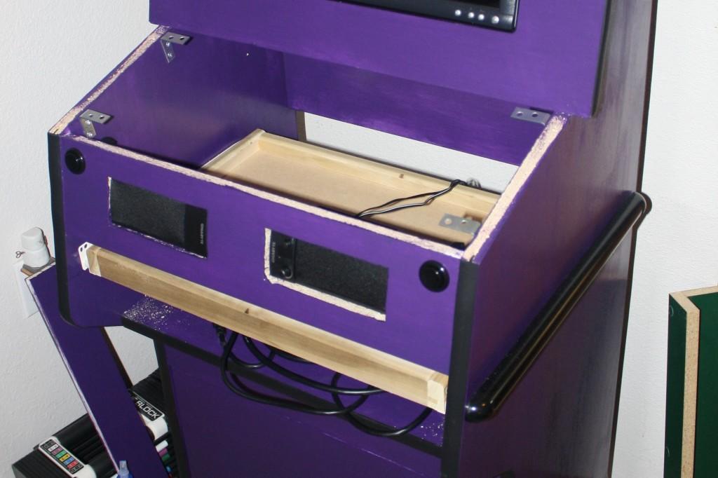 Speakers & Keyboard Tray